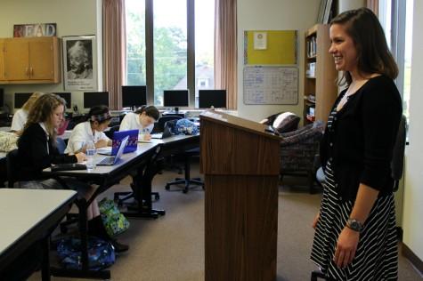 Alum, Laura Fay Visits Multimedia Journalism Class