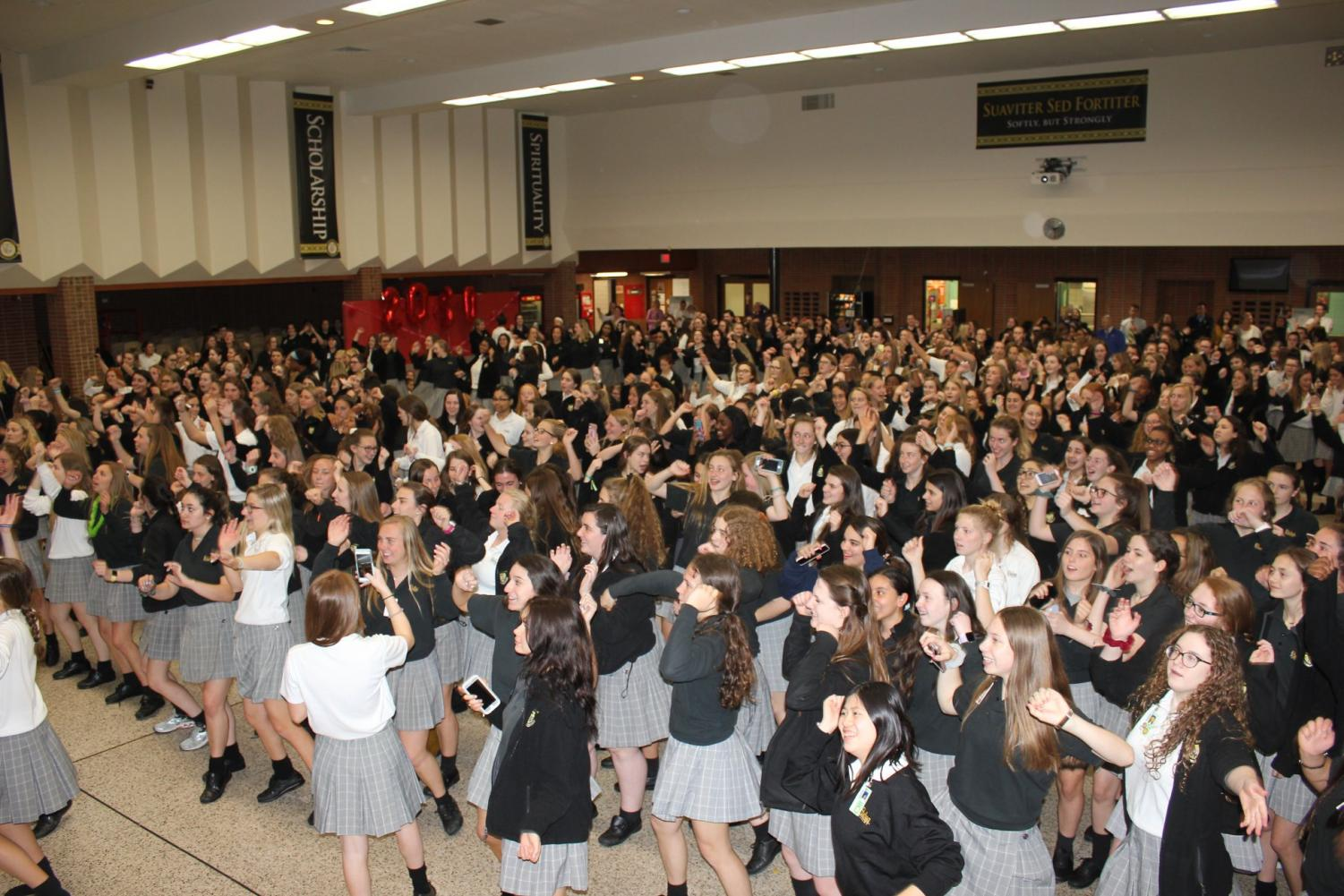 The Padua community gathering together to dance to Just Dance.