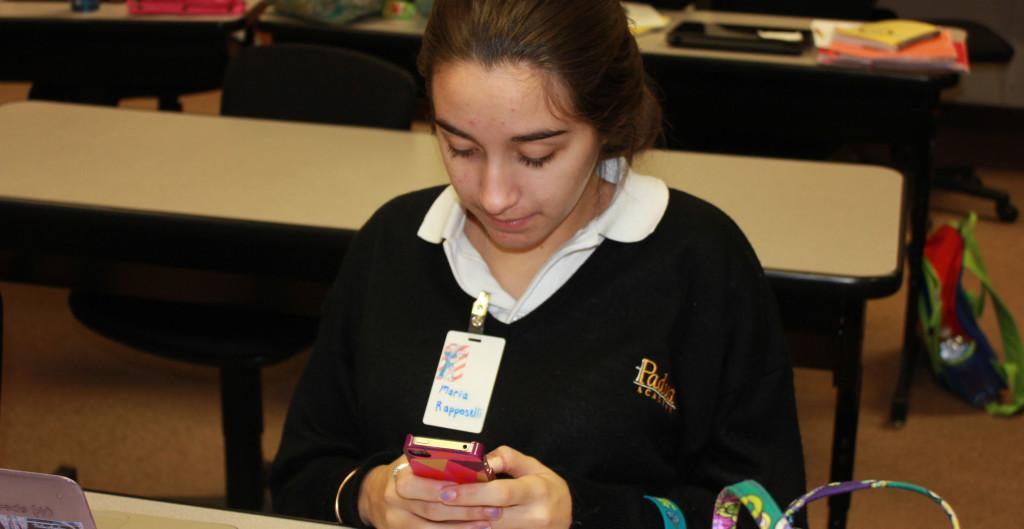 Uses+of+Smart-phones+in+School