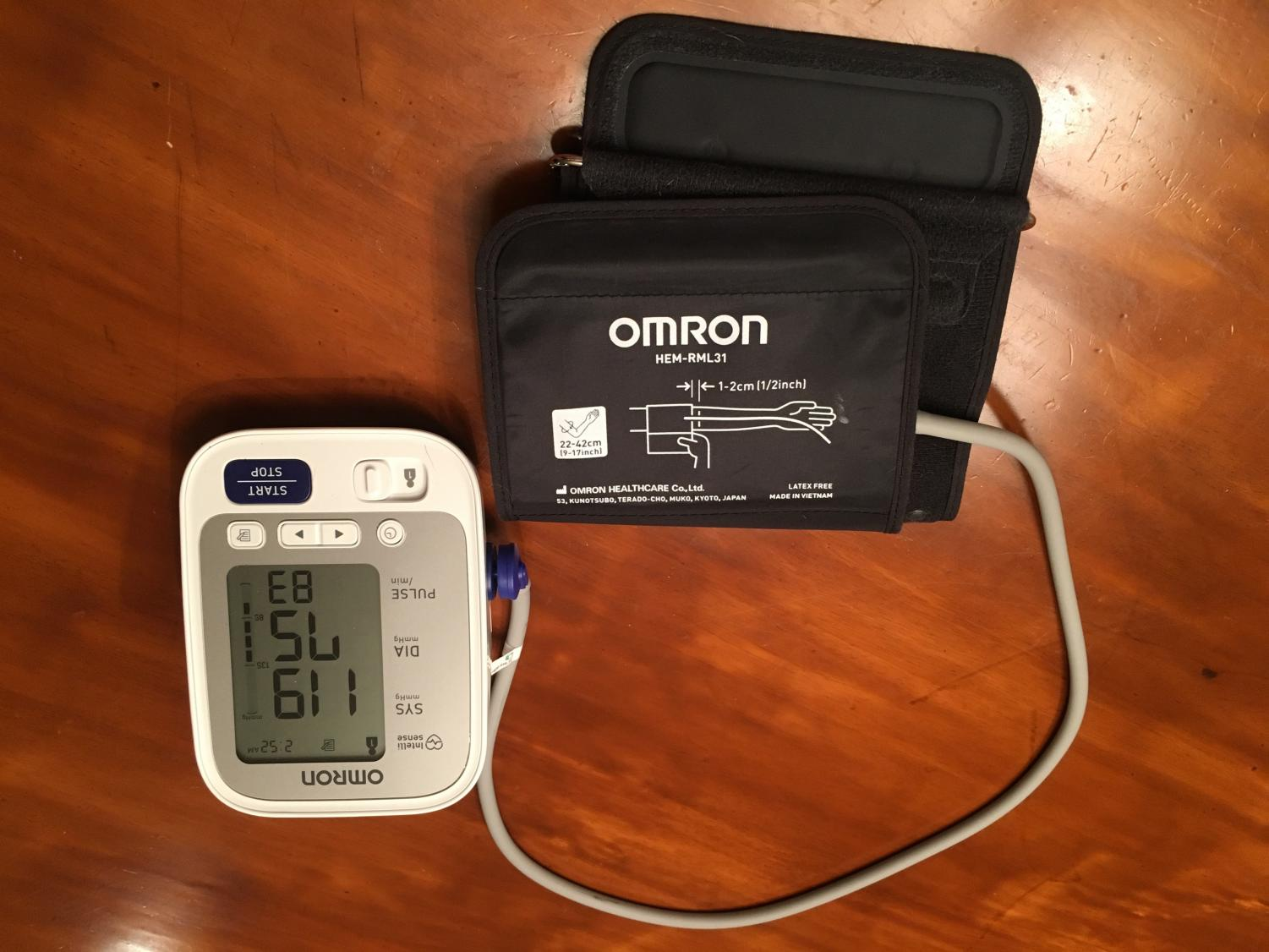 Marina Pilger, junior, used this device to measure the blood pressure of Padua and Salesianum students.