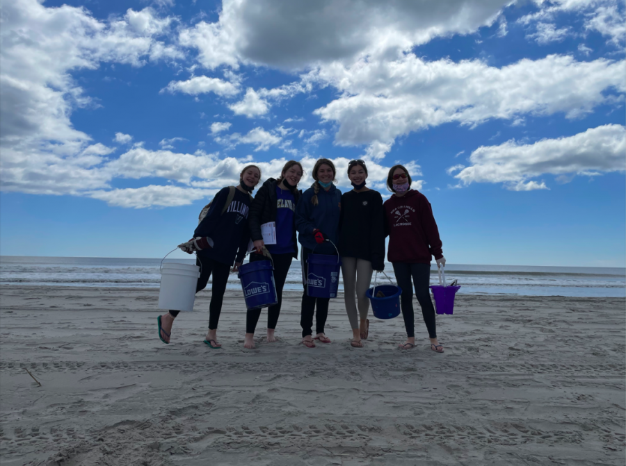Leah Gentilotti completes a service project at the beach alongside her peers. While this service opportunity was in person, many students resorted to virtual activities.