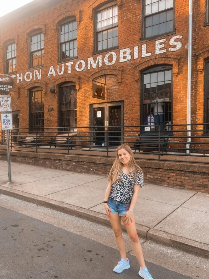 Alex Hilferty travels to Nashville with her family. She is very outgoing and loves to watch the stars.
